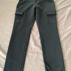 NWOT Under Armour Cargo Leggings